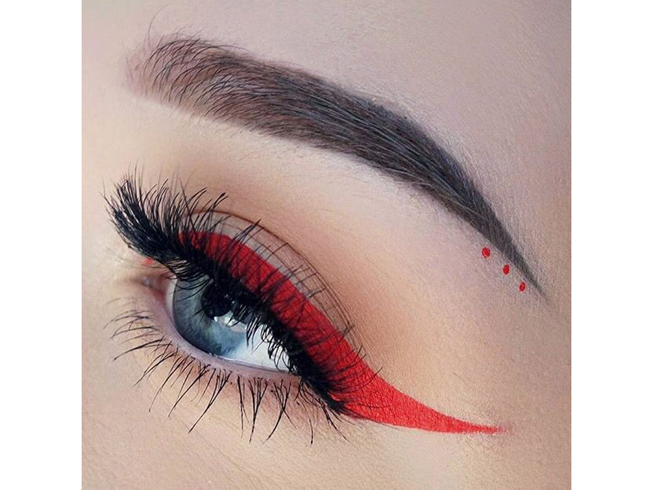 Stargazer Eyeliner Red
