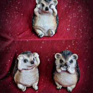 3 Wise Hedgehoges