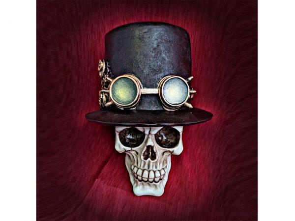 Aristocrat Skull Figure